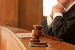 What are the Best Defenses for False Imprisonment Charges?