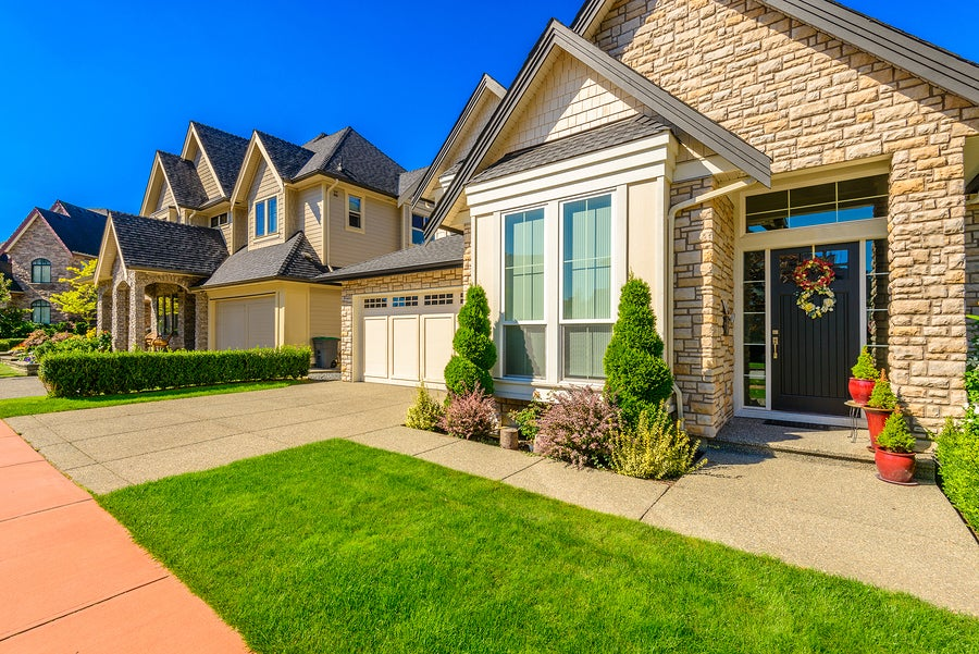 Should You Move Out of the Marital Home?