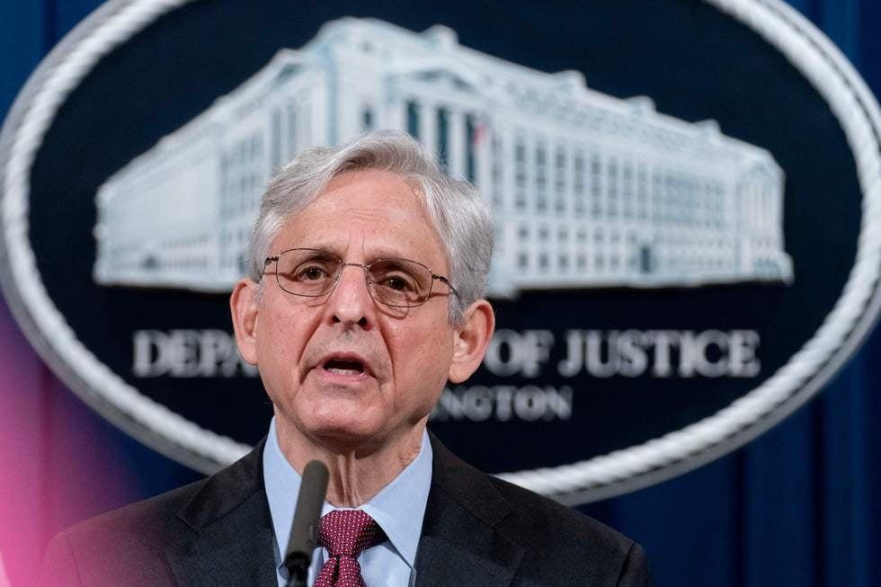 Merrick Garland restaura el poder a los jueces de cerrar casos de deportación