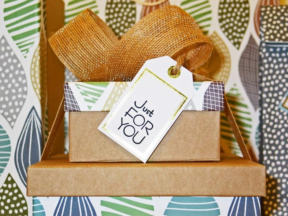 what-employers-should-know-about-giving-gifts-to-employees