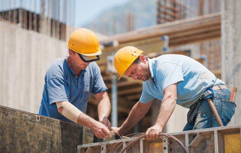 construction employee working through injury