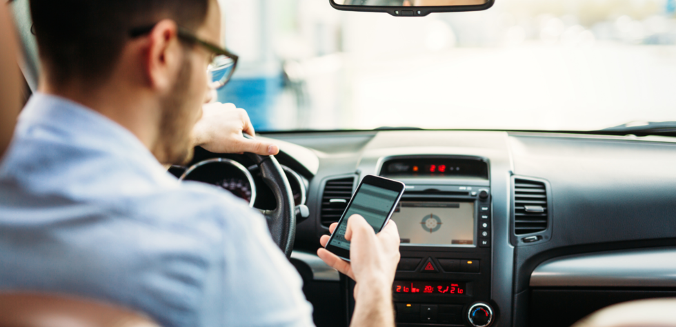 texting_driving_distracted_driving
