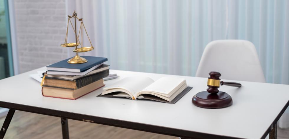creative_lawyers_attorneys_desk