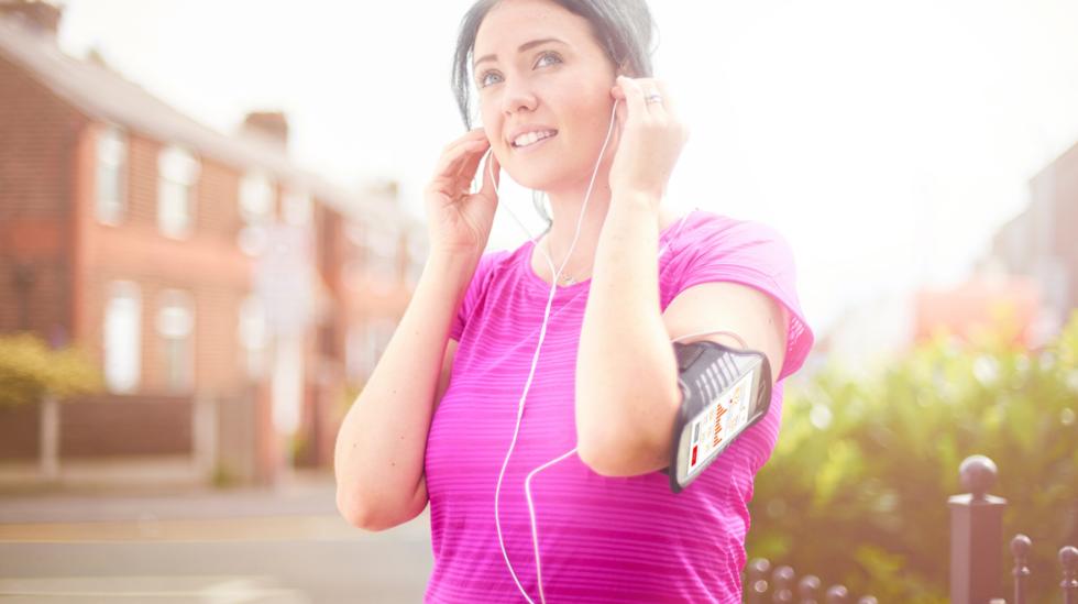 pedestrians_and_headphones