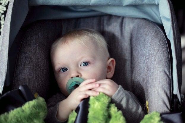 child injured in defective car seat