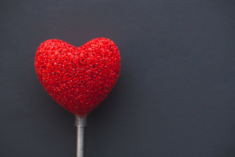 Decorative heart on a stand.