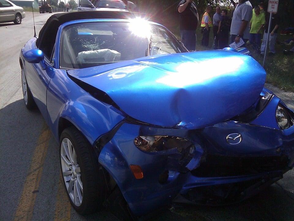 Bridgeport, CT - 2 Injured In Crash At Madison Ave & Garfield Ave.